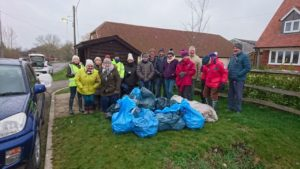 Mucking Out Moreton!!  Part of Thame Tidy.